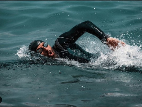 모험가 '오마르', 해양 플라스틱 쓰레기 퇴출위해 '이집트 트라이애슬론' 도전