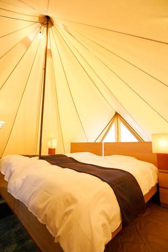 テント内セミダブルベッド