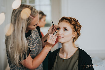 laura BTS-Poppy-Carter-Portraits-Wedding