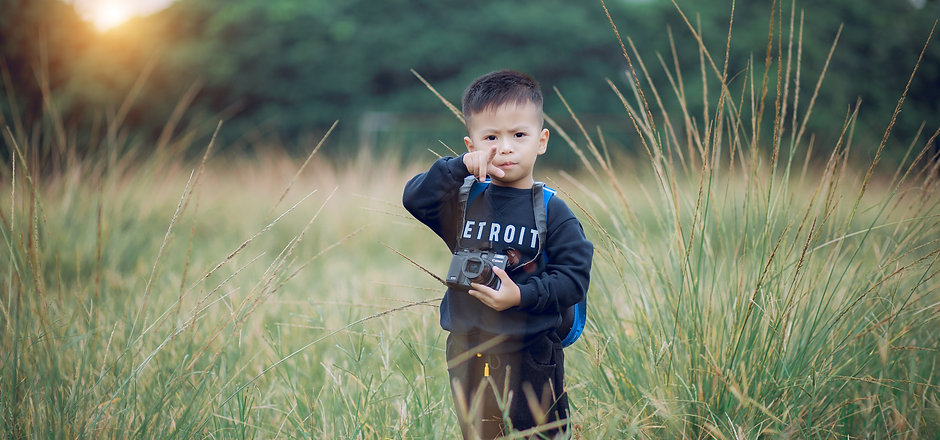 boy-camera-child-1549973.jpg