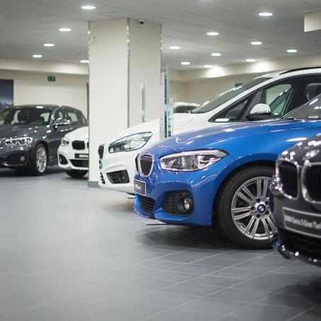 La venta de coches nuevos repunta ligeramente tras meses en negativo