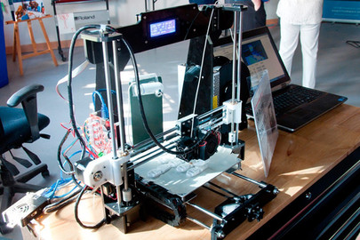 8-Venture-13-Maker-lab-3D-printer.jpg