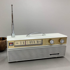 Castaway's Radio