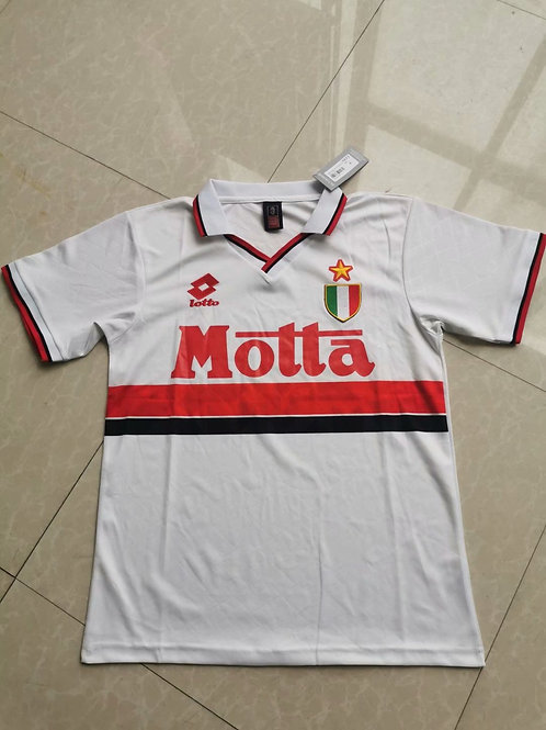 Milan Motta white