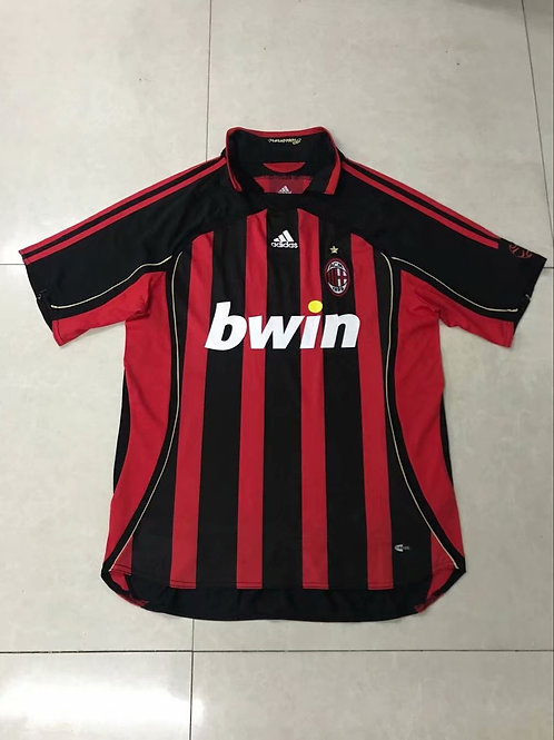 Milan Bwin Red
