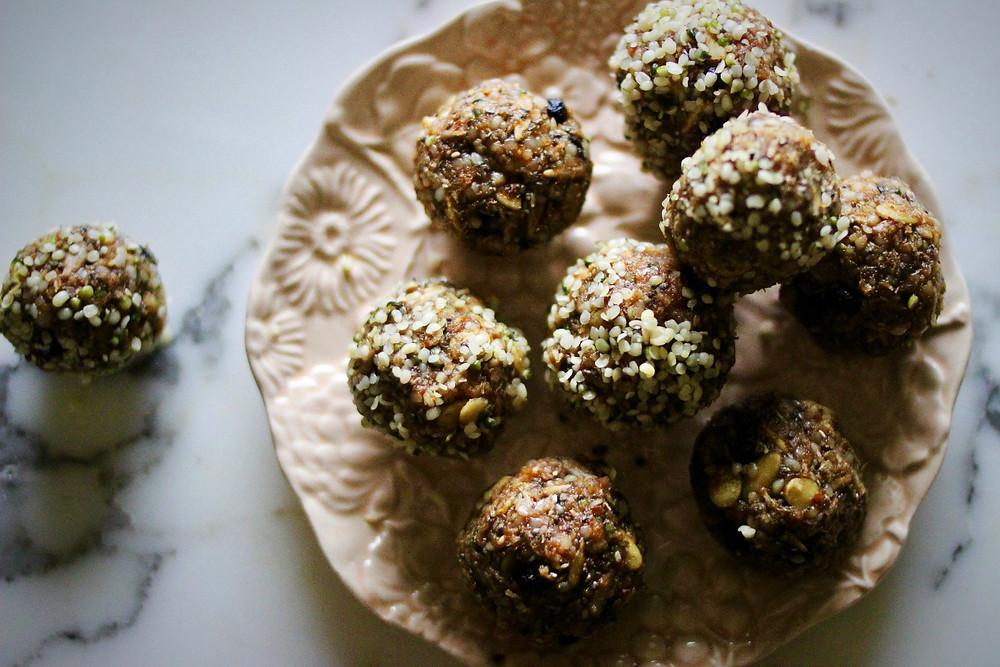 #plantstrong #rawvegan #blissballs healthy cookies