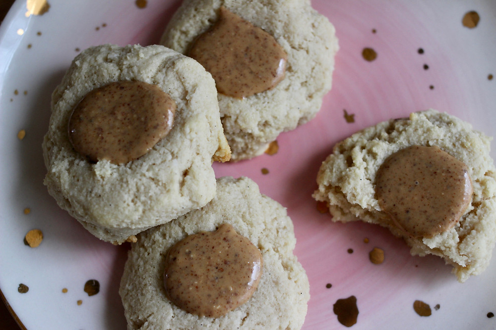 healthy dairy-free gluten-free almond butter cookies