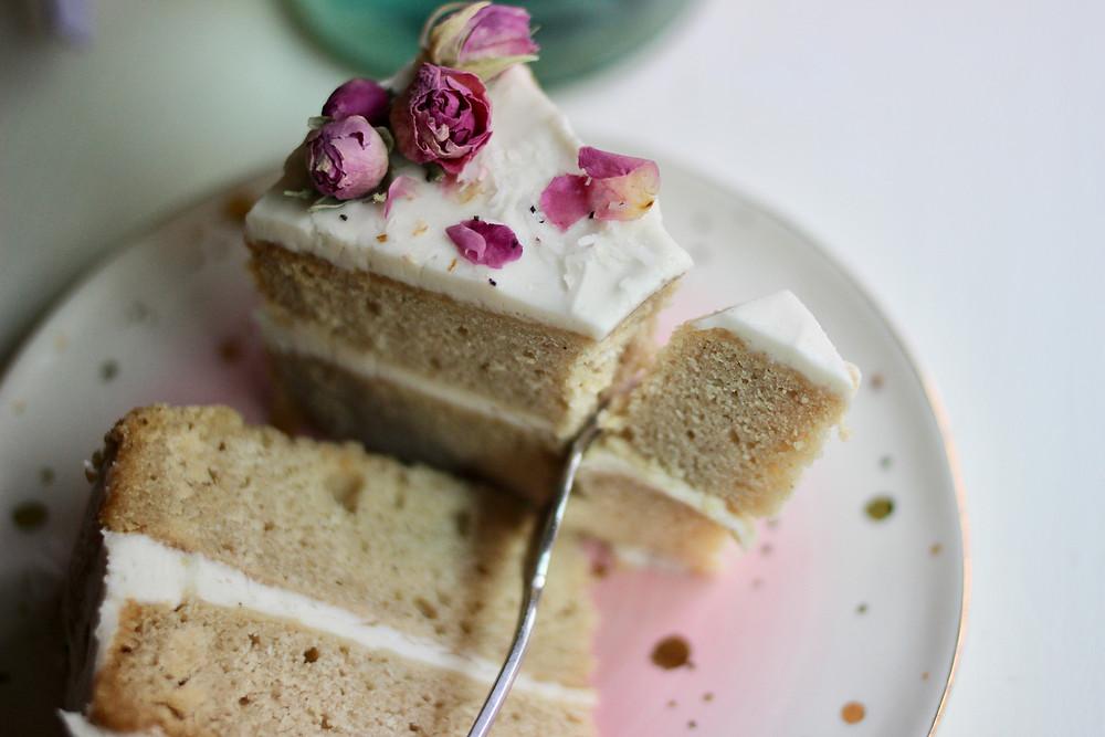 gluten-free vegan stunning vanilla cake rosebuds