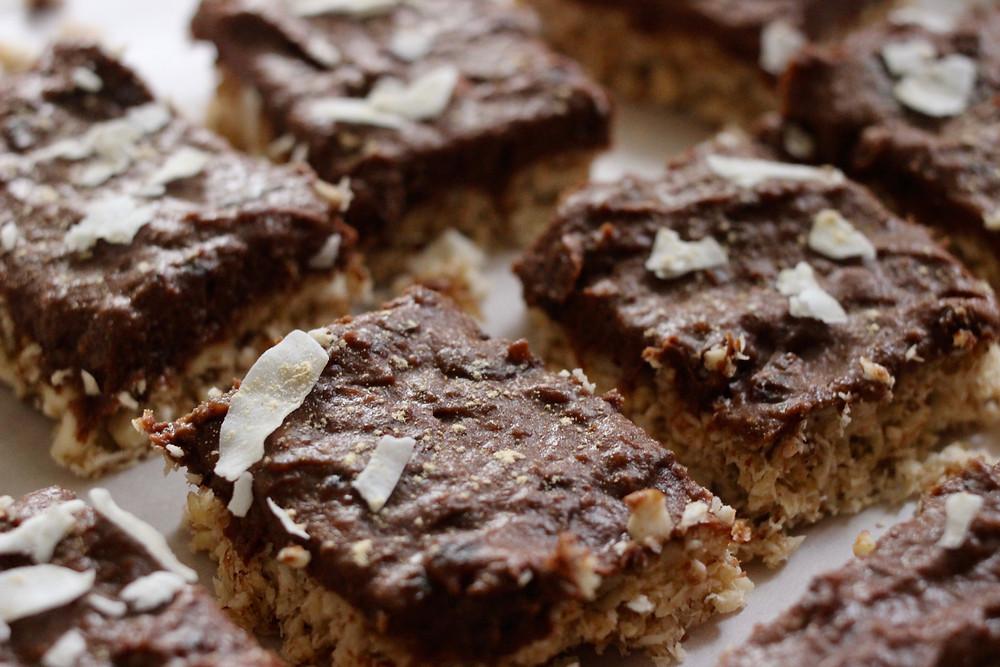 vegan chocolate brownie fudge no bake bars