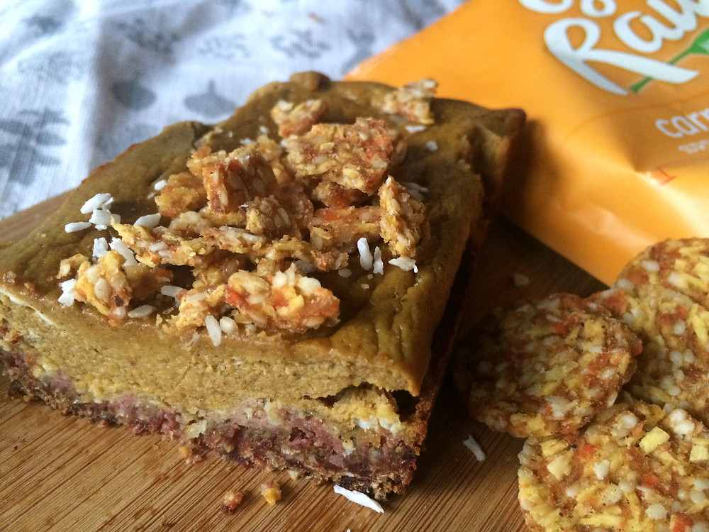 raw pumpkin bar with cookie crust
