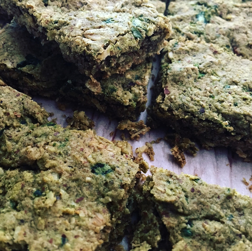 vegan spinach granola bar