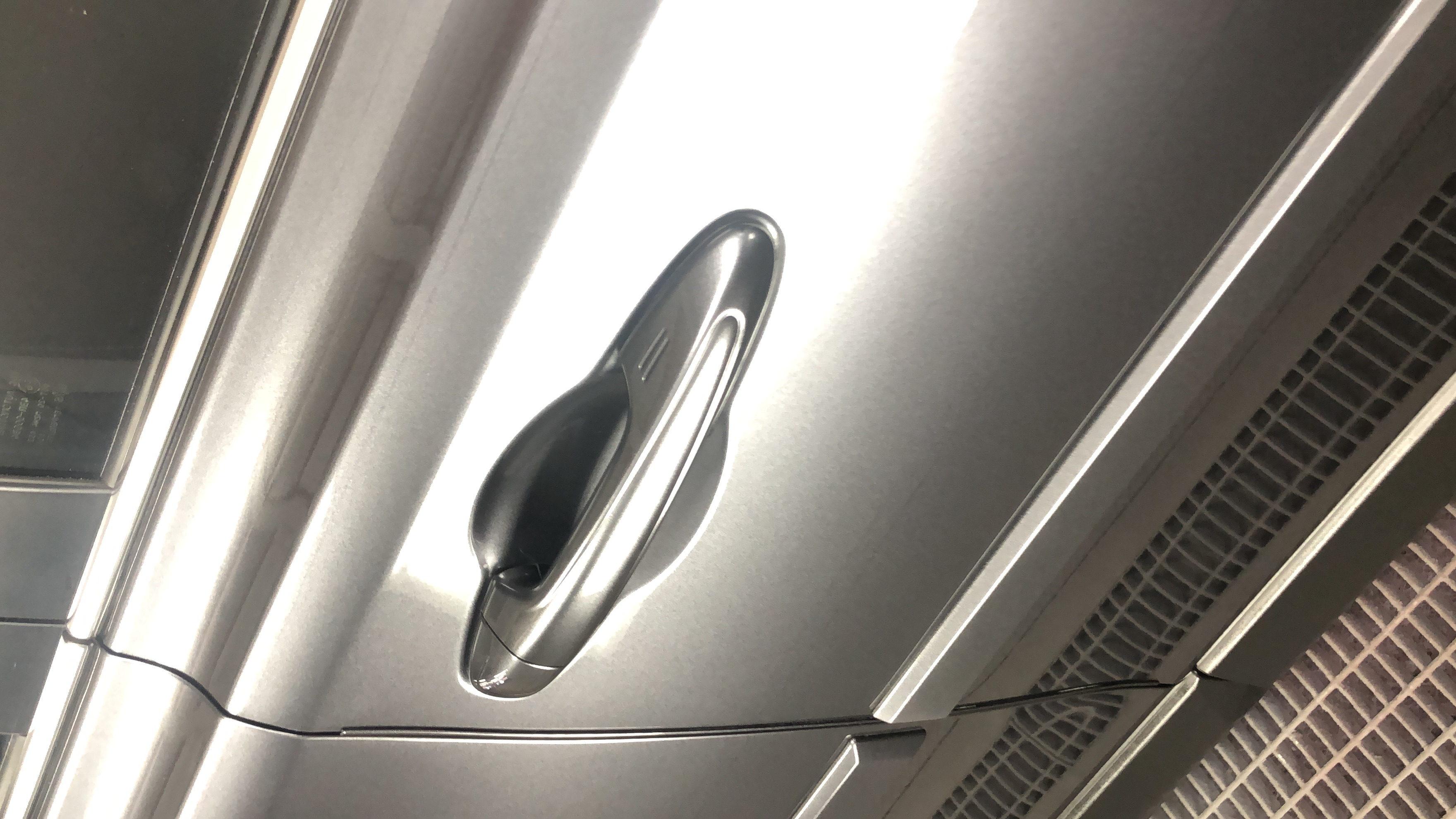 Vivid Car Detailing- side