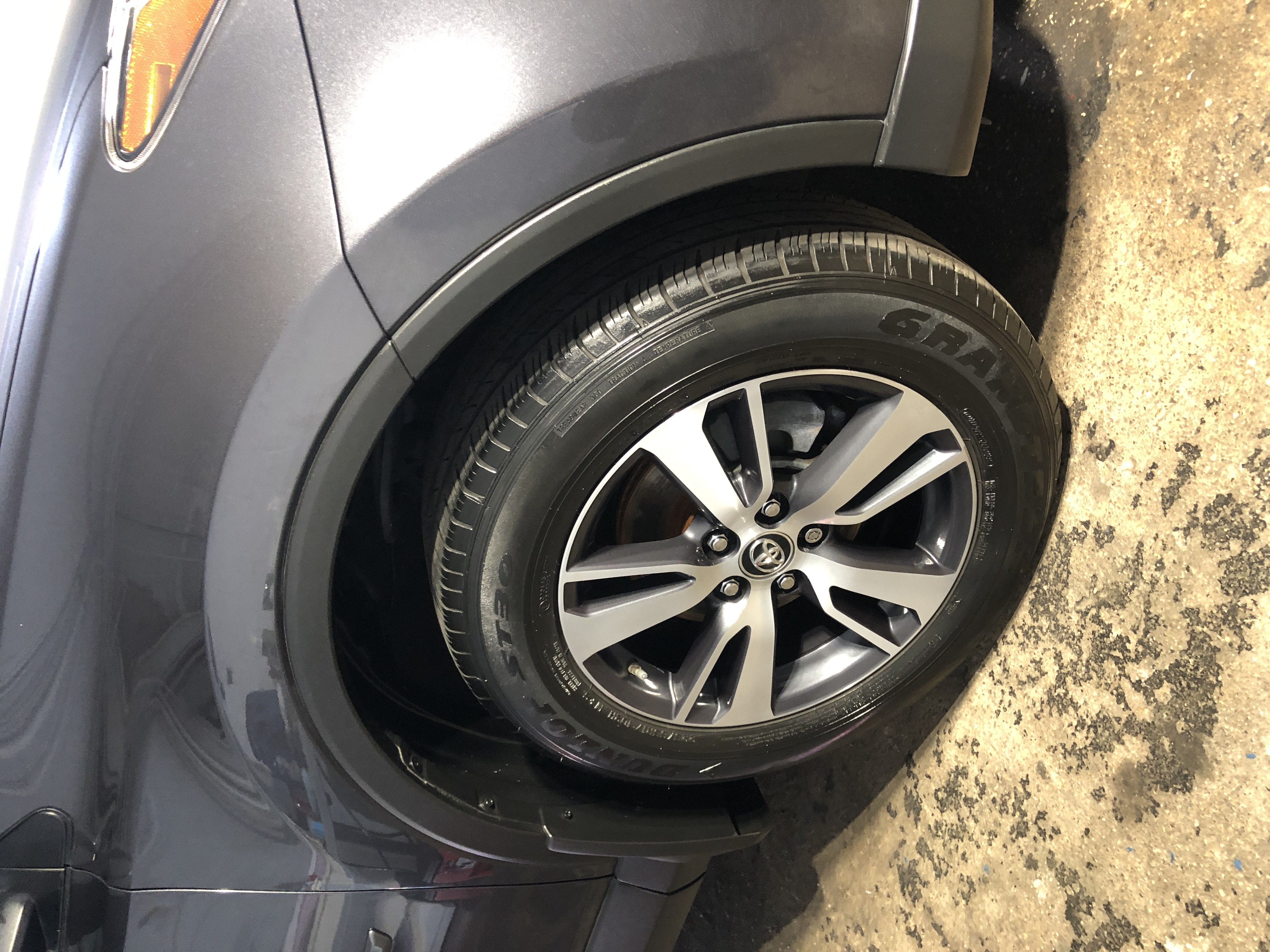 Vivid Car Detailing- tire ceramic