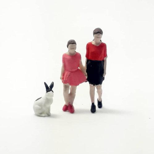 Mãe e filha + coelho