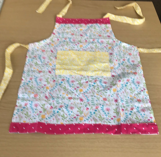 Child Cotton Apron Approx L. 50cms x W. 42cms