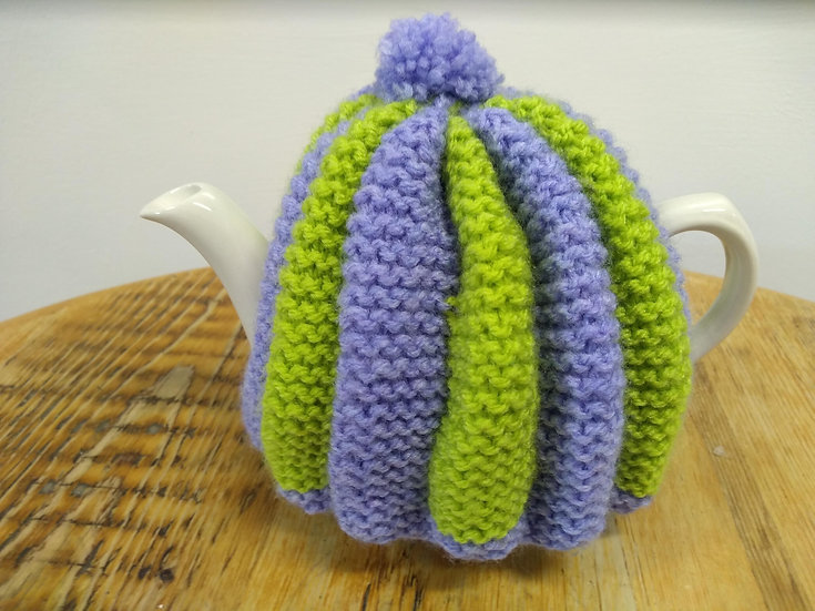 Handknitted Tea Cosy to fit Medium/large Tea Pot