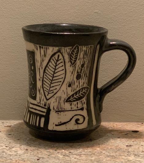 Mug Sgraffito Carved Leaf Design