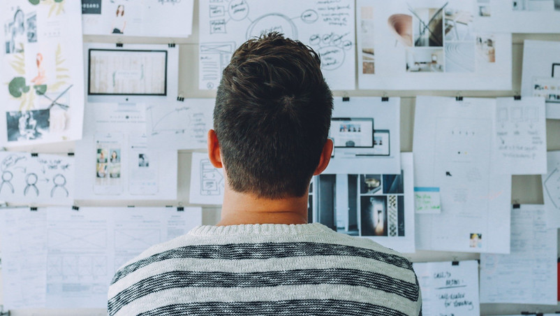 Should You Hire a Designer for Your Digital Marketing Logo?