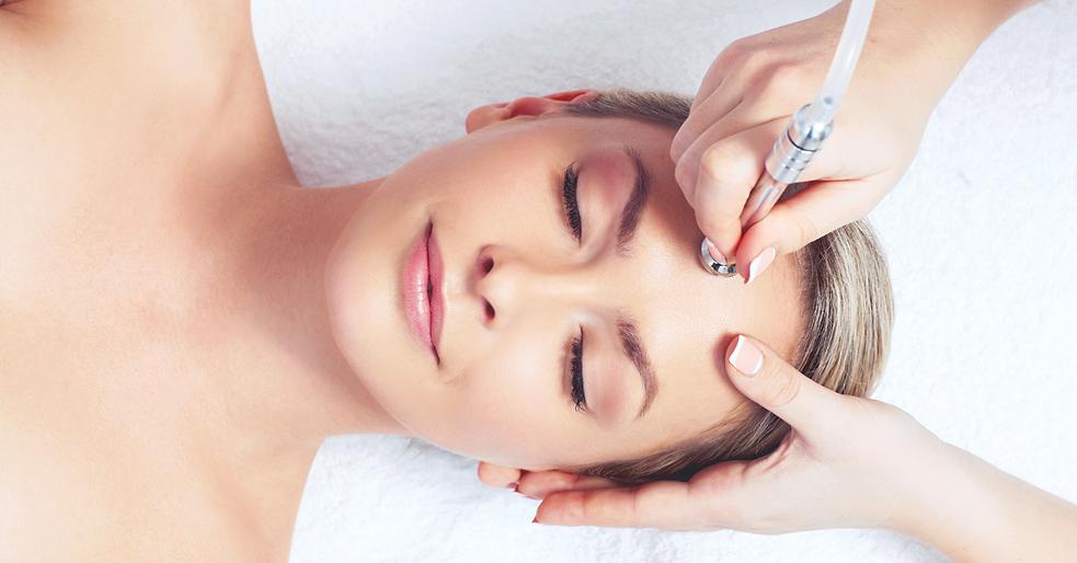 Microdermabrasie peeling behandeling huidverjonging anti aging botox fillers inspuiting ri