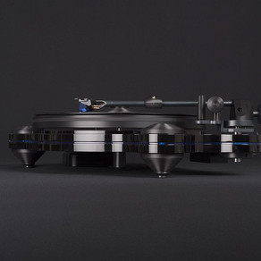 Oracle Audio Returns with a Turntable