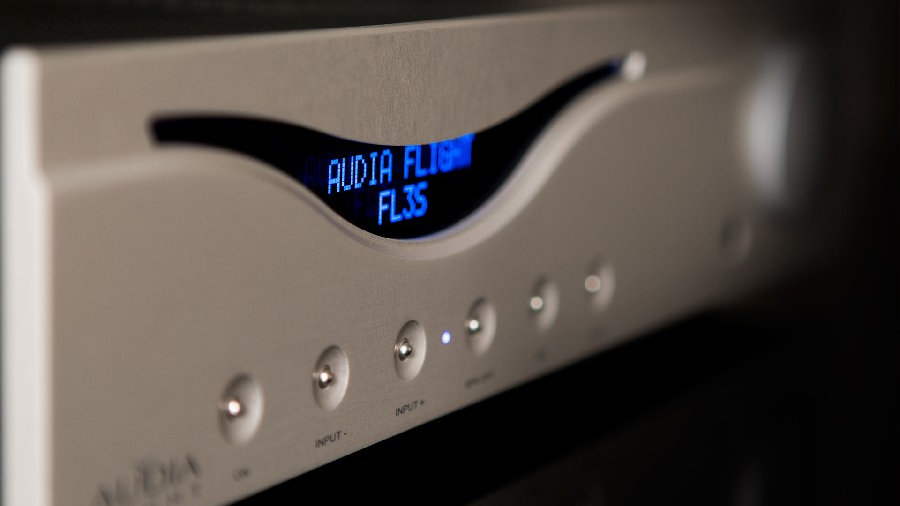AUDIA FLIGHT THREE S INTEGRATED AMPLIFIER