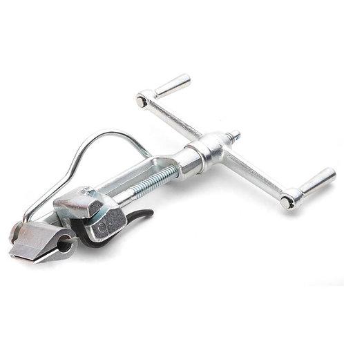 Инструмент для натяжения стальной ленты на опорах