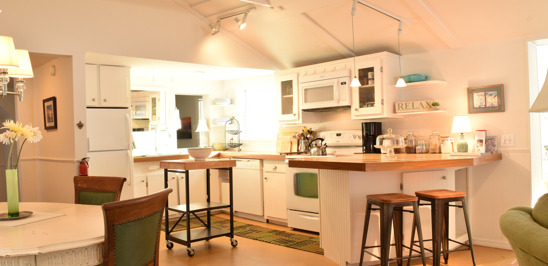 Open Kitchen & Living Space