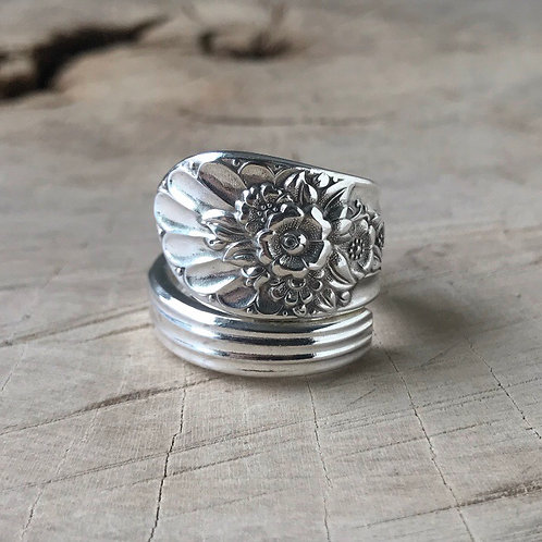 Floral wrap spoon ring size 10