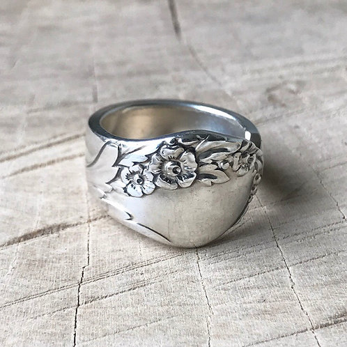 Floral spoon ring  size 7
