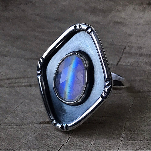OVER THE RAINBOW Moonstone shield ring