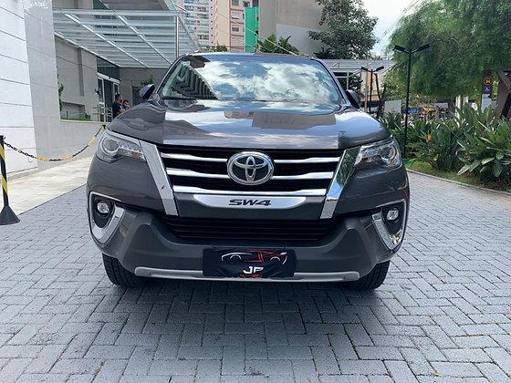 Toyota Hilux Sw4 Srx 2.8 Turbo 4x4 At