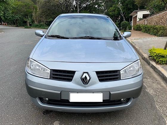 Renault Megane 2.0 Dynamique sedan