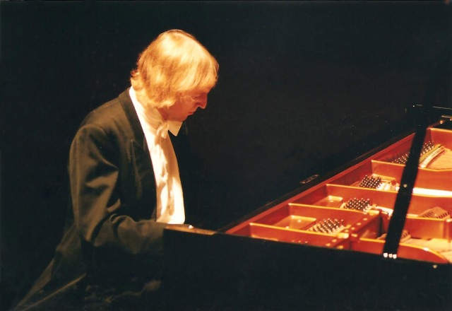Janusz piano recital