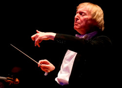 Janusz conducting LODM