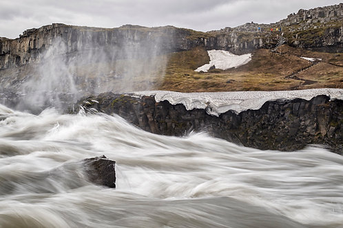 Rushing to the Falls by Maggie Gilman                  Photography 19x13