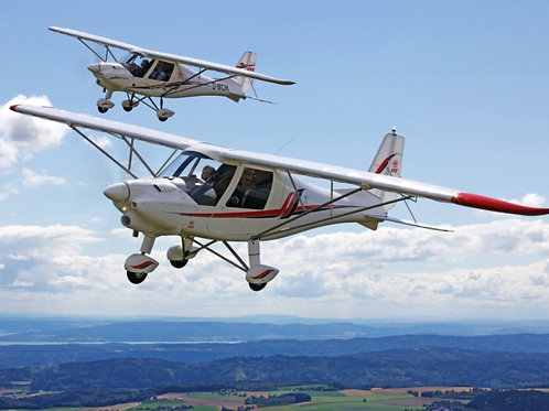 x3 Ultralight flying lessons a step closer to your pilot's licence