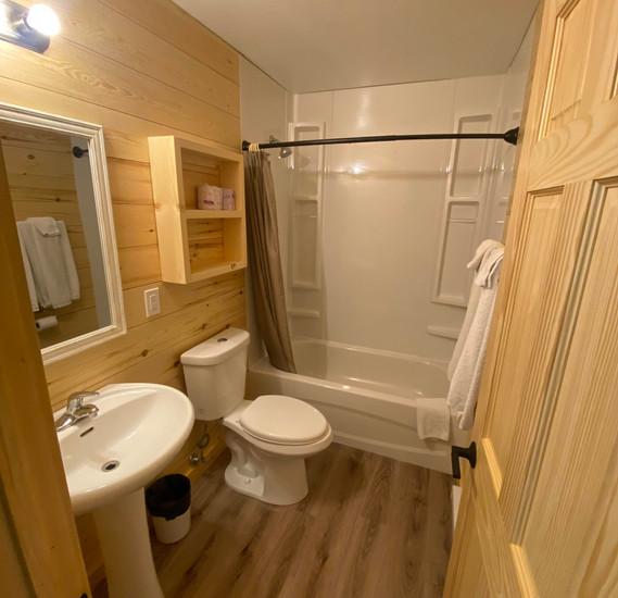 cabin 2 bathroom.jpg