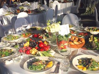 Свадебный банкет в Казани летом - арендовать банкетный зал или организовать банкет на свежем воздухе