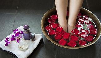 diy-foot-soak-dry-cracked-feet_mobilehom