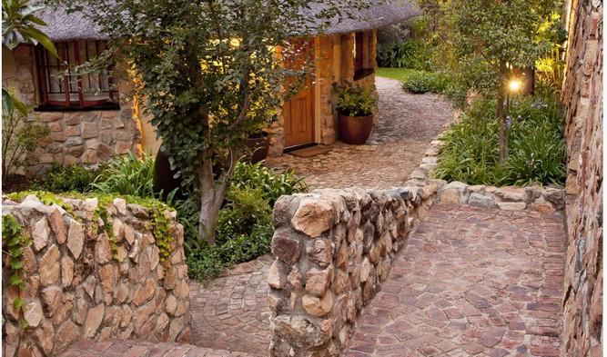 Aloe cottage outside 1