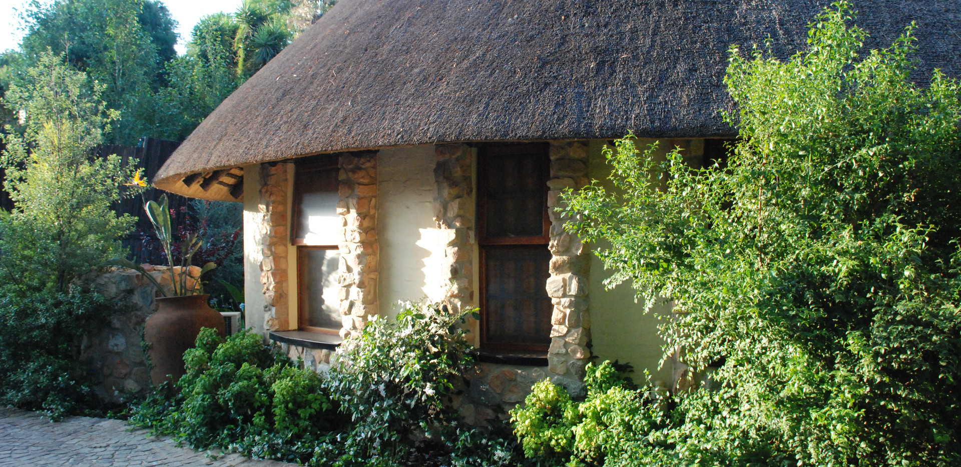 Aloe cottage outside 2
