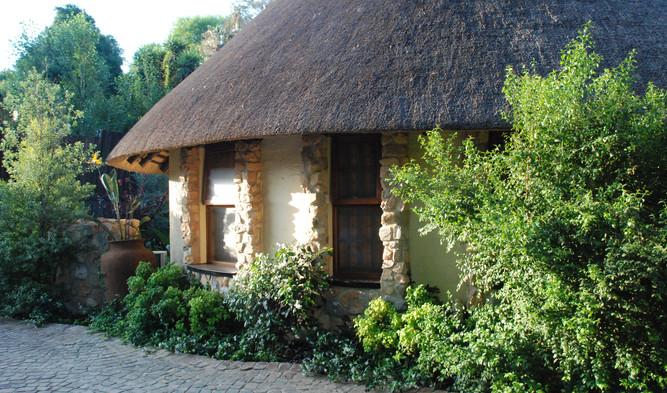 Aloe cottage outside 2
