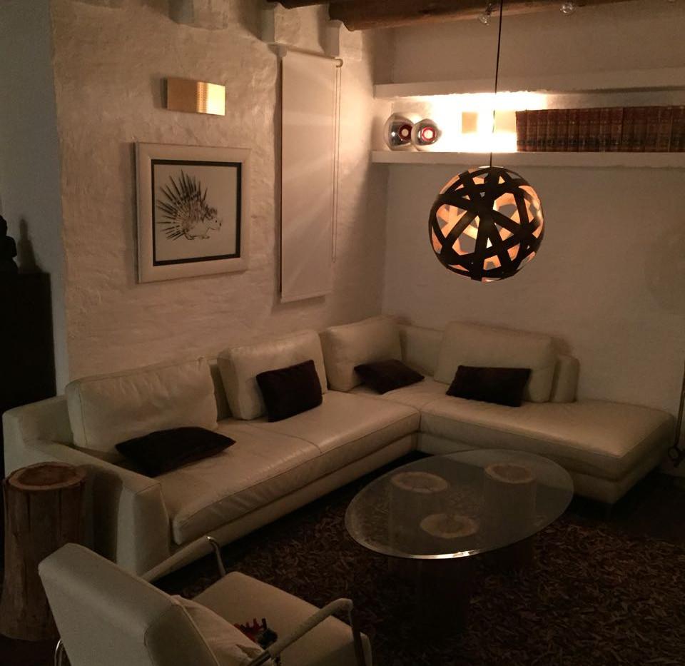 Lounge 2b.jpg