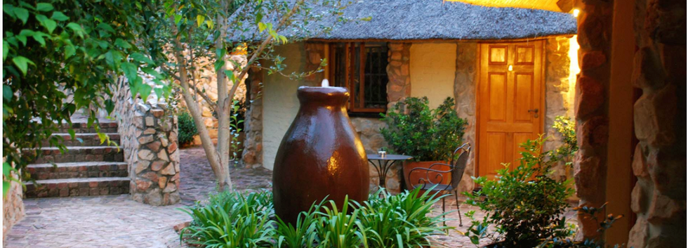 Aloe cottage courtyard