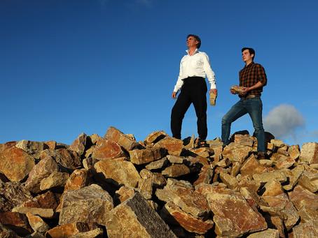 La saga Ducherpozat : maçons de pierre en fils