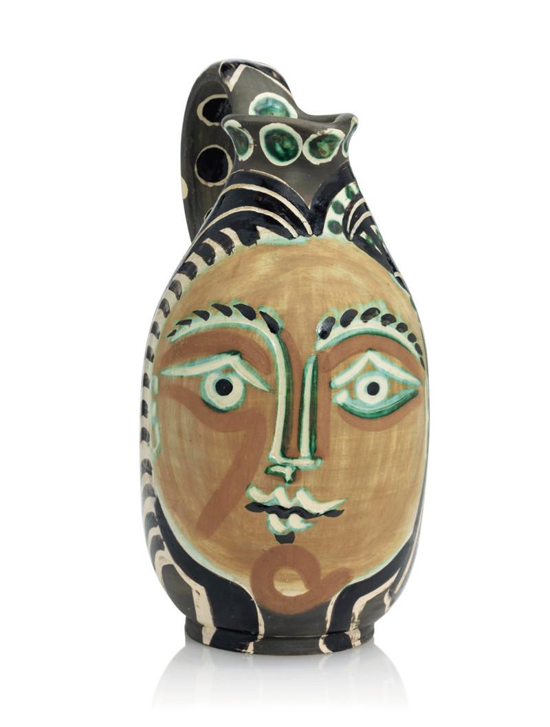 Femme du barbu (1953), une céramique de Pablo Picasso dénichée par Marine Desproges-Gotteron,  qui a été adjugée à 27500 livres sterling à Londres en février dernier.