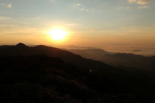 Nascer do Sol na Montanha – Pico da Onça + Cachoeira