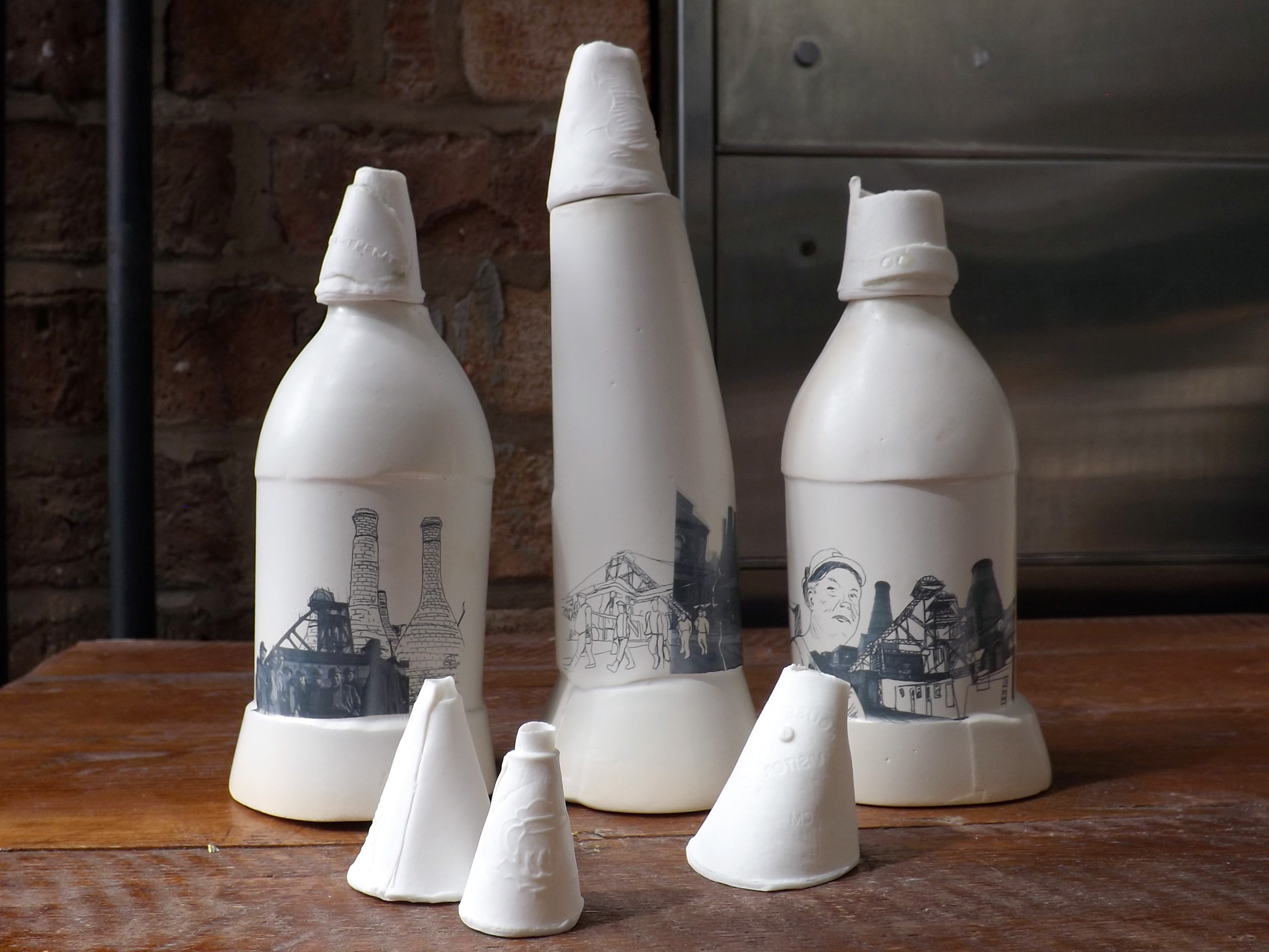 12 Ceramic vessels Stoke-on-Trent
