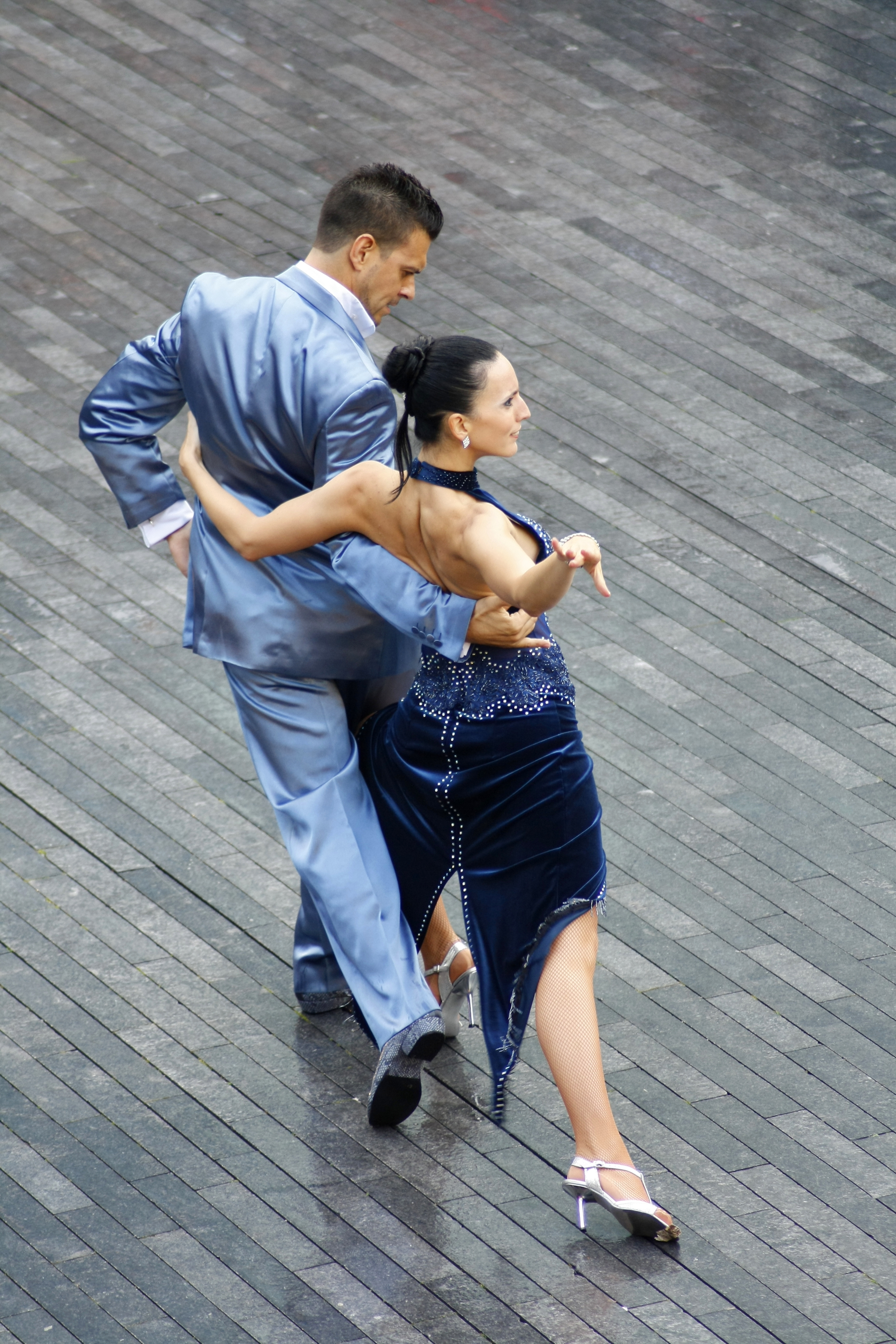 P19_stockvault-the-dancers127910