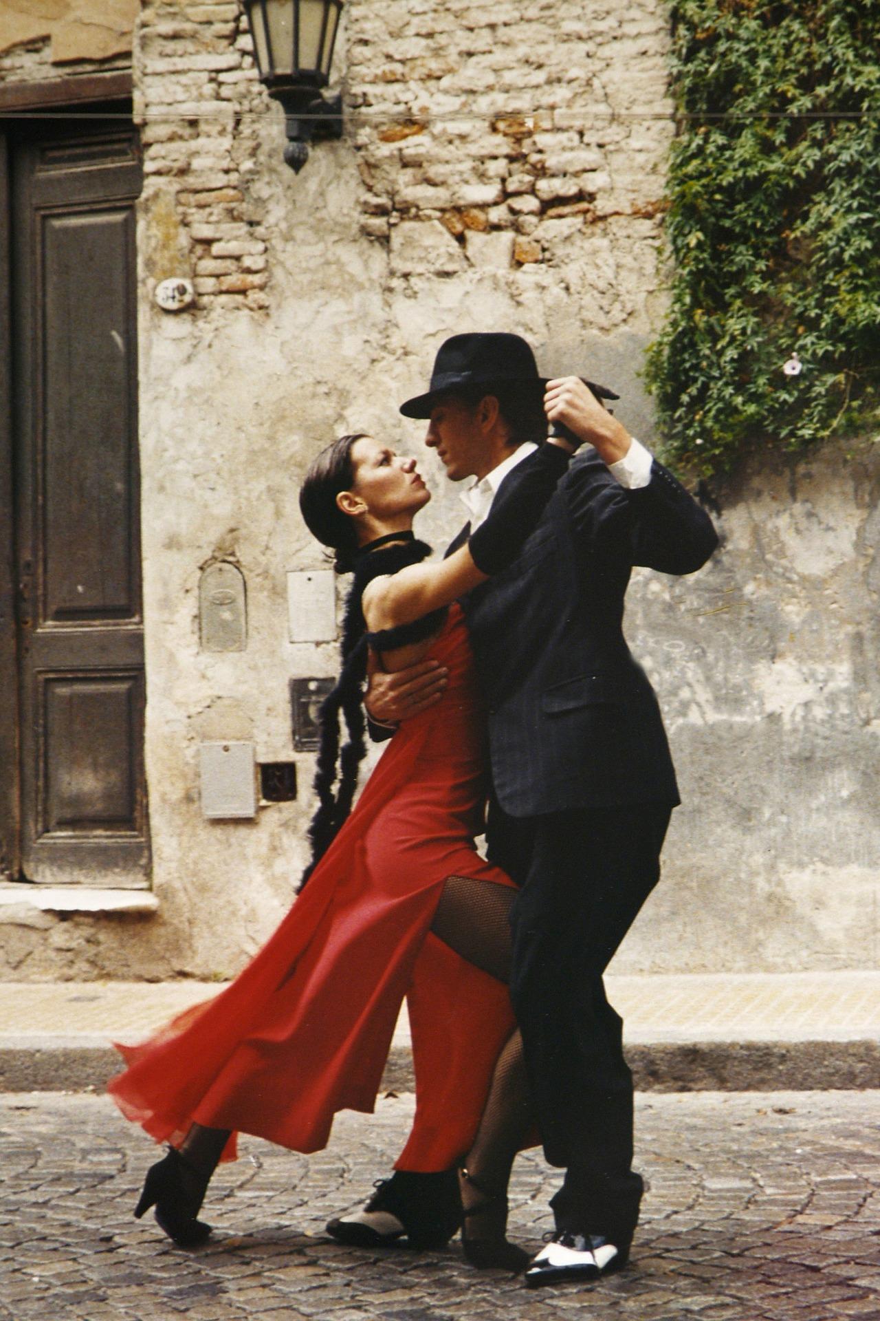 P23_tango-190026_1920